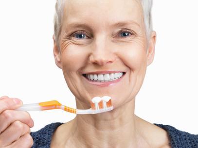 Cómo afecta el envejecimiento a la salud bucodental