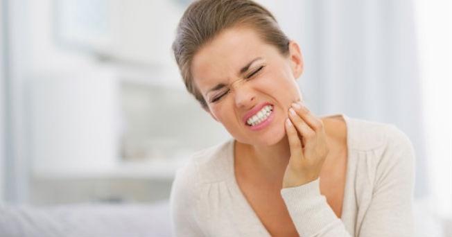 Los hábitos alimenticios y de estilo de vida pueden agravar la hipersensibilidad dental